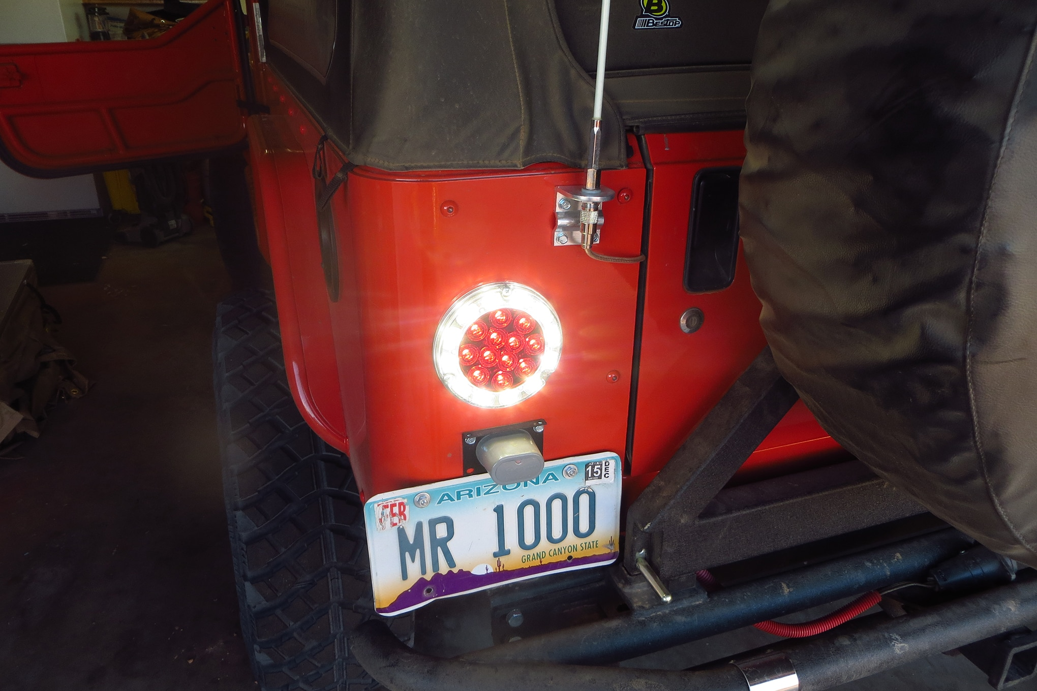 006 comfort and convenience led taillights backup