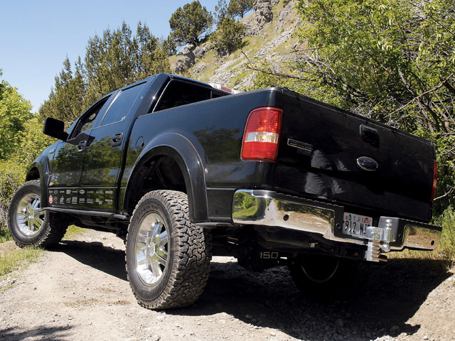 0801or 15 z+2005 ford f150 supercrew 4x4+exterior rear side view