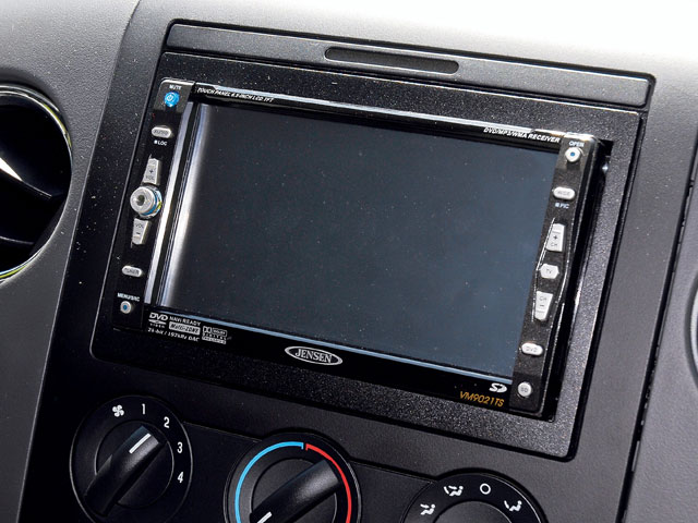 0801or 01 z+2005 ford f150 supercrew 4x4+in dash