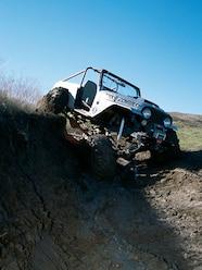 131 0308 01 z+1971 jeep commando rock zombie+jeep cj7 front clip