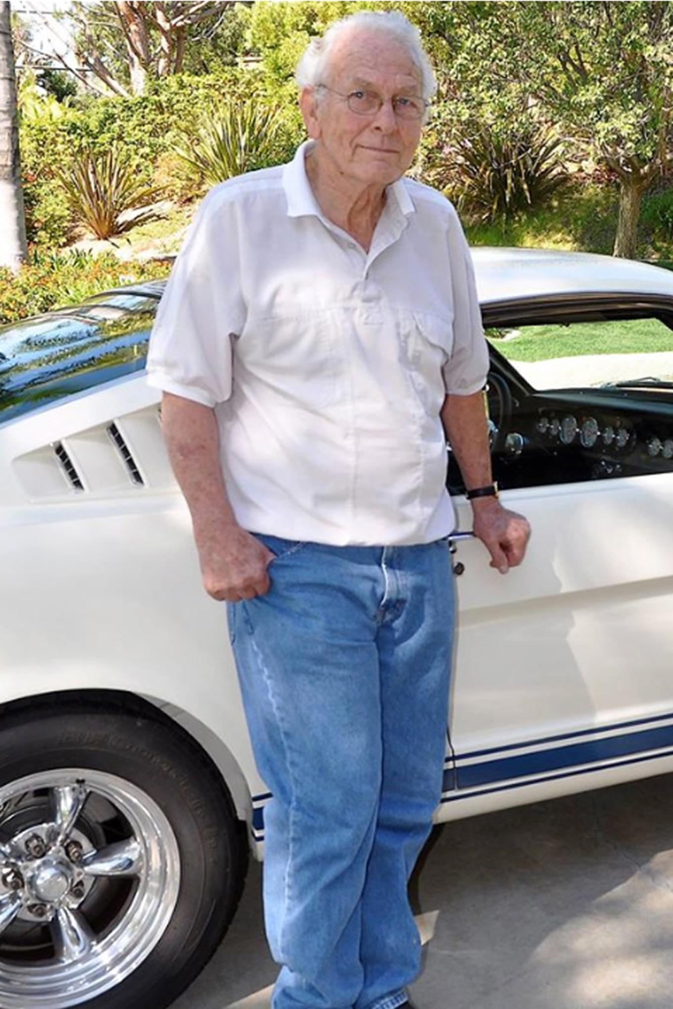 004 auto news jp jeep currie enterprises frank founder death