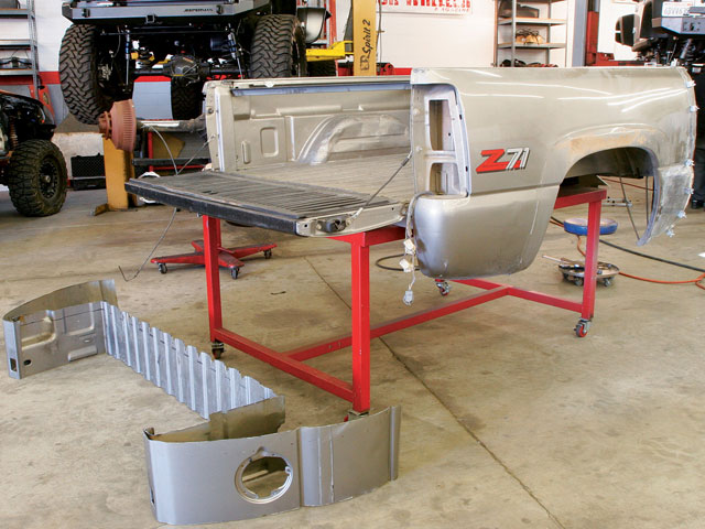 131 0809 10 z+2000 gmc z71 rollcage bed weld ultimate z71+12 inch cut section