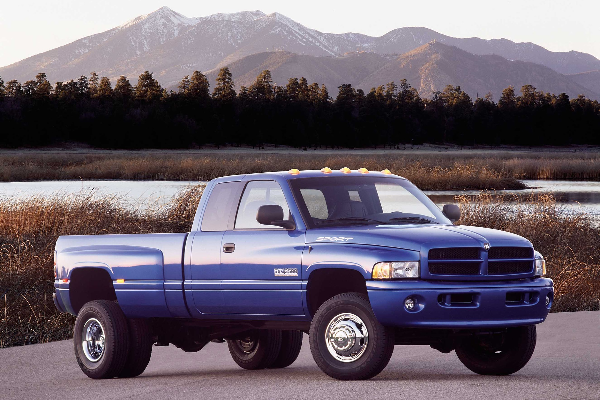 002 2001 dodge ram 3500 dually cummins diesel blue