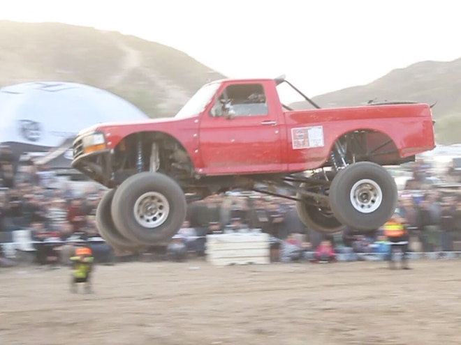 Off-Road Machines Take Off at Inaugural Glen Helen Jump Champs - Video