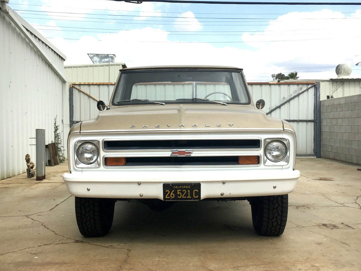 1968 Chevy C 10 front shot