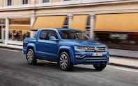 Volkswagen Amarok front three quarter 02
