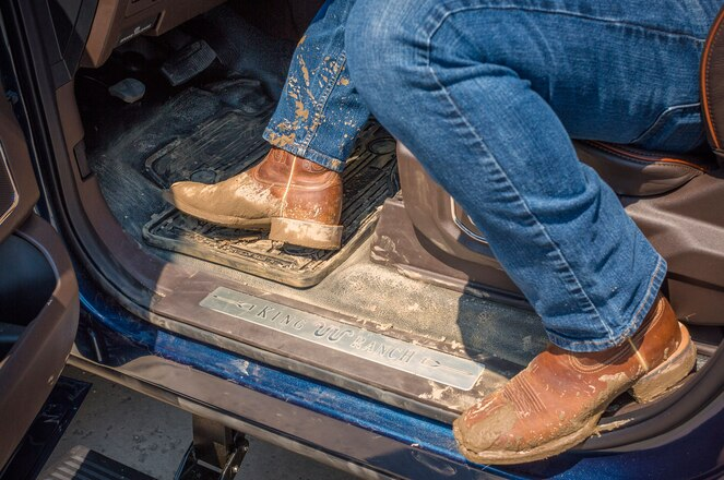 Ford Adds Vinyl Flooring Option to 2017 Super Duty Platinum, King Ranch Trims
