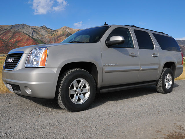 0810 4wdweb 05 z+toyo open country tire test+gmc yukon installed