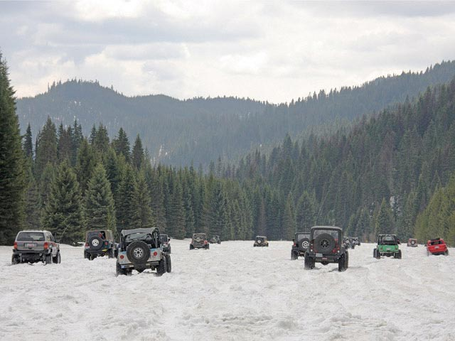 0811 4wd 11 z+2008 idaho trail tour+jeeps in snow