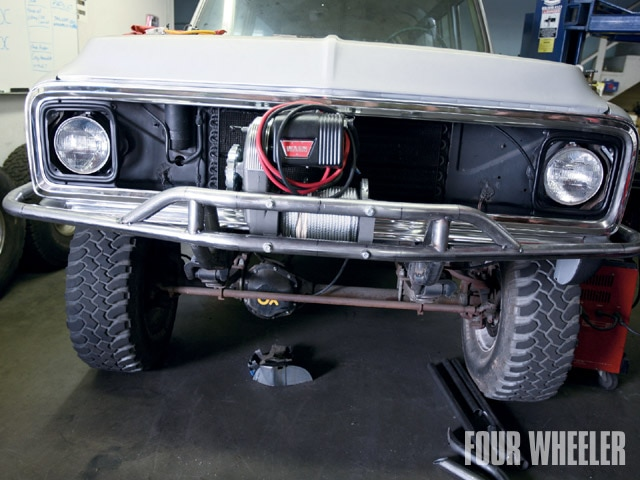 129 0901 02 z+1972 chevy suburban+warn electric winch
