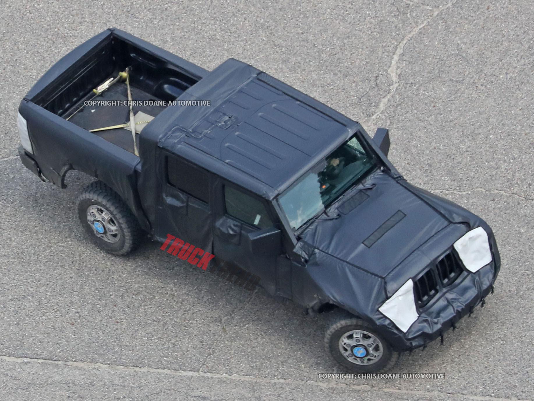 2019 Jeep Wrangler JL Pickup Spyshots 32