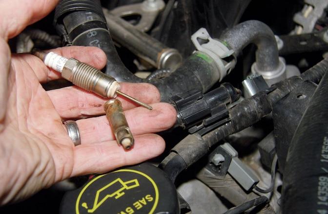 Replacing Troublesome Ford Triton 5.4L V8 Spark Plugs