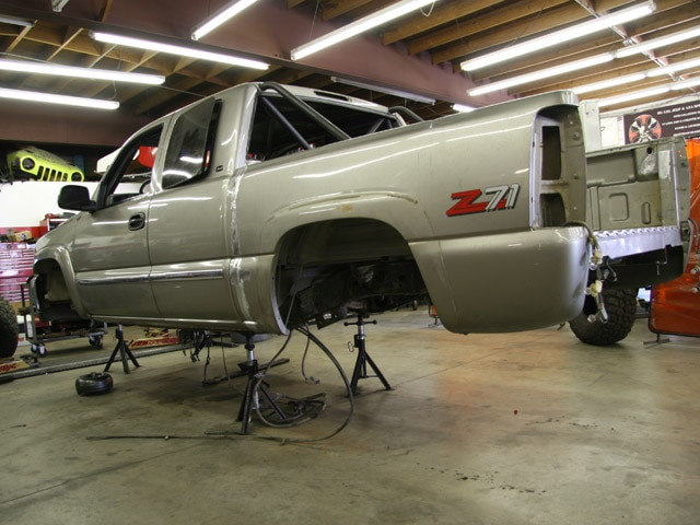 131 0811 01 z+2000 gmc sierra z71+wrap up 01