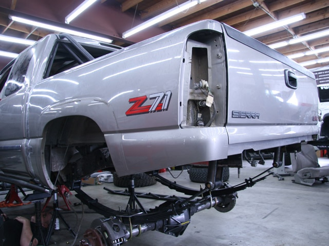 131 0811 03 z+2000 gmc sierra z71+wrap up 03