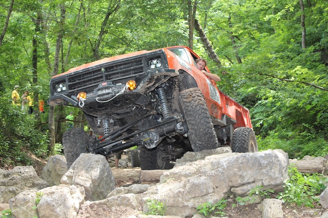 Jeep Jk Squeaks, Gas or Hydraulic Shocks, Chevy TBI Toyota Engine Troubles - Nuts & Bolts