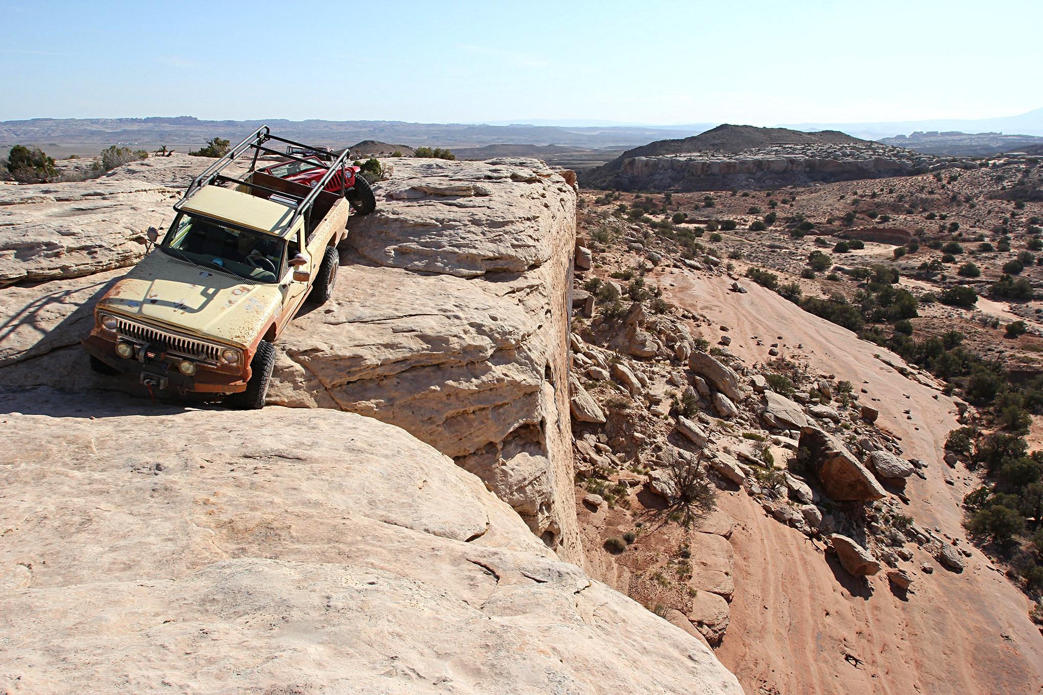 jeep fsj jtruck wagoneer windshield gasket leak replacement.JPG