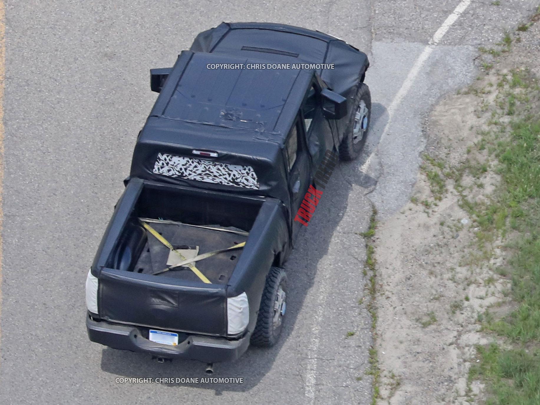 2019 Jeep Wrangler JL Pickup Spyshots 30