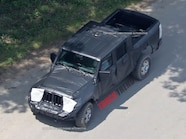 2019 Jeep Wrangler JL Pickup Spyshots 21