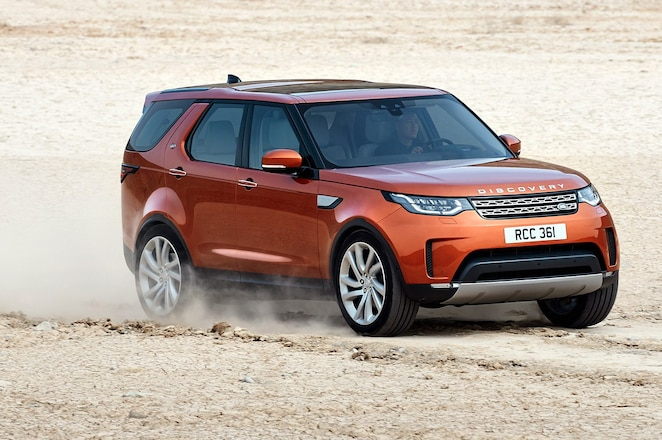 2017 Land Rover Discovery Takes Center Stage at Los Angeles Auto Show