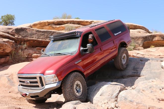 Fullsize Invasion Of Gold Bar Rim At The 2017 Easter Jeep Safari