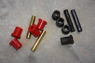 005 dino suspension lift and tires front frame side shackle bushings.JPG