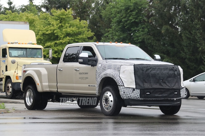 New 2018 Ford Raptor and 2019 F-450 Spied in Dearborn