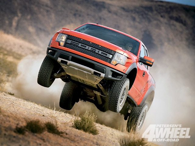 131 0903 01 z+march 2009 auto news+ford raptor svt