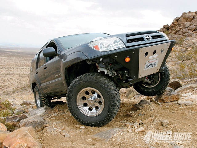 0904 4wd 01 z+2003 toyota 4runner unlimited+front passenger side angle
