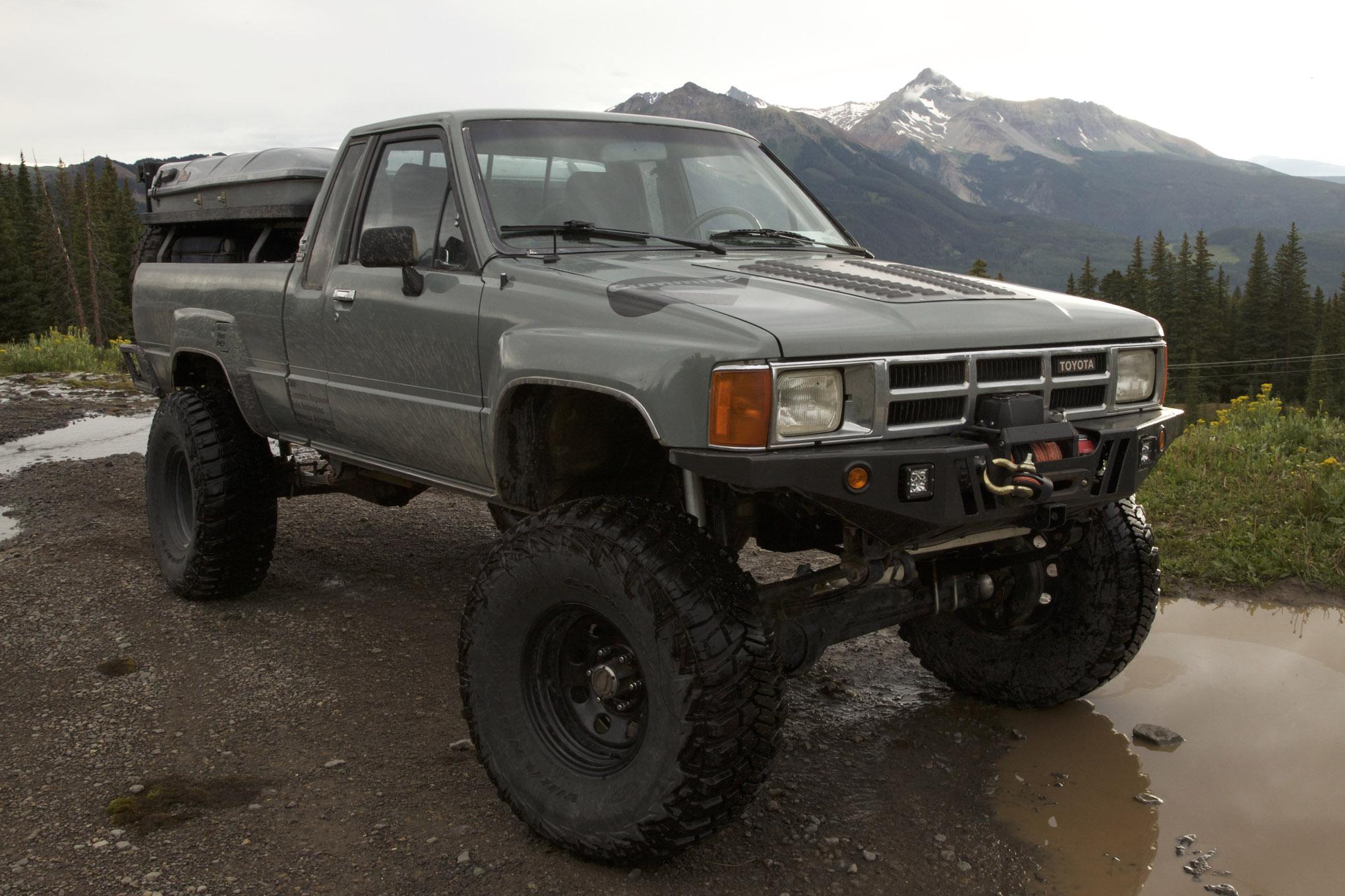 1983 toyota pickup dash