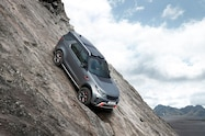 2018 land rover discovery svx concept front quarter 02 winch