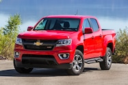 2015 Chevrolet Colorado Z71 front three quarters view2