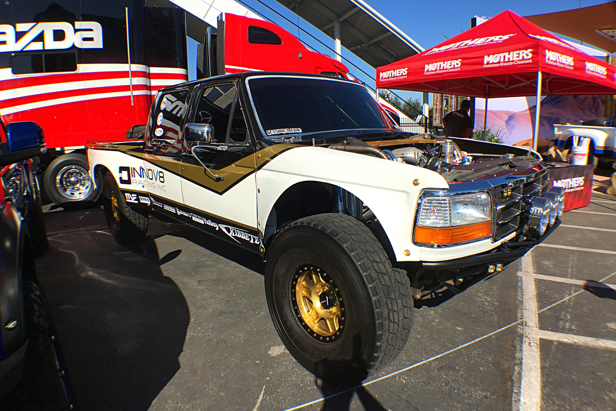 Kibbetech had their latest creation on hand. They're always building great prerunners, and they're made to be driven hard.