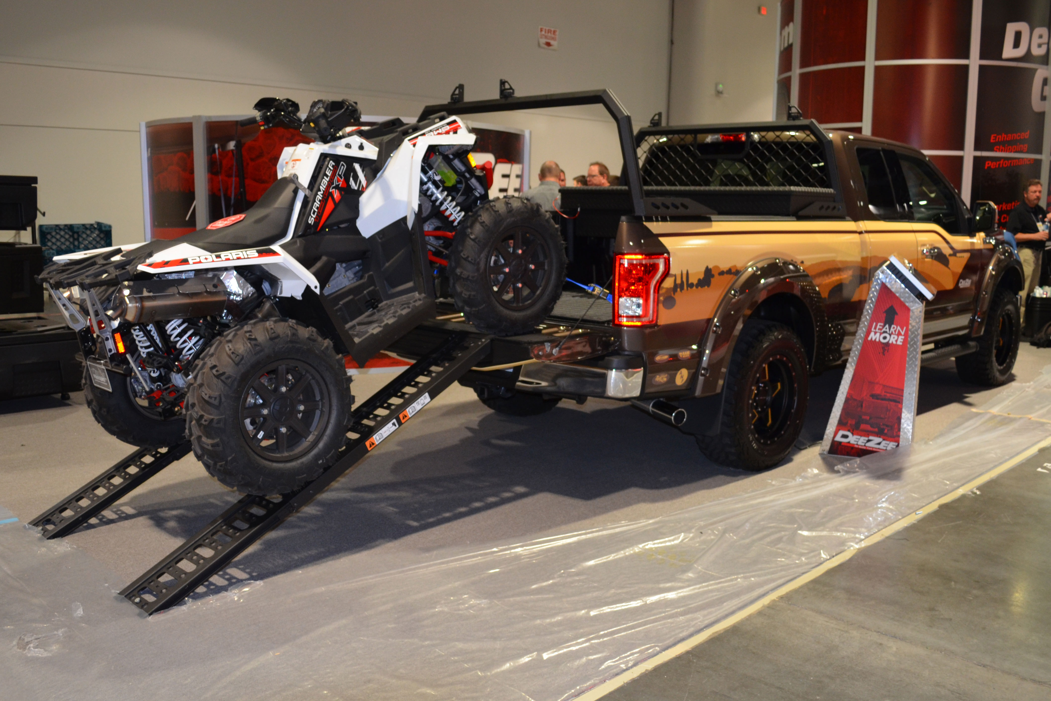 2015 SEMA Show Monday loading truck