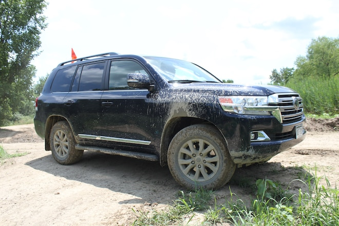 Road and Trail Test: 2017 Toyota Land Cruiser