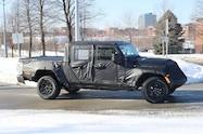 2019 jeep wrangler scrambler front quarter 09