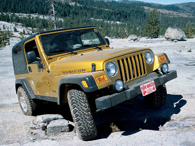 129 0212 01 z+2003 jeep wrangler rubicon+front view