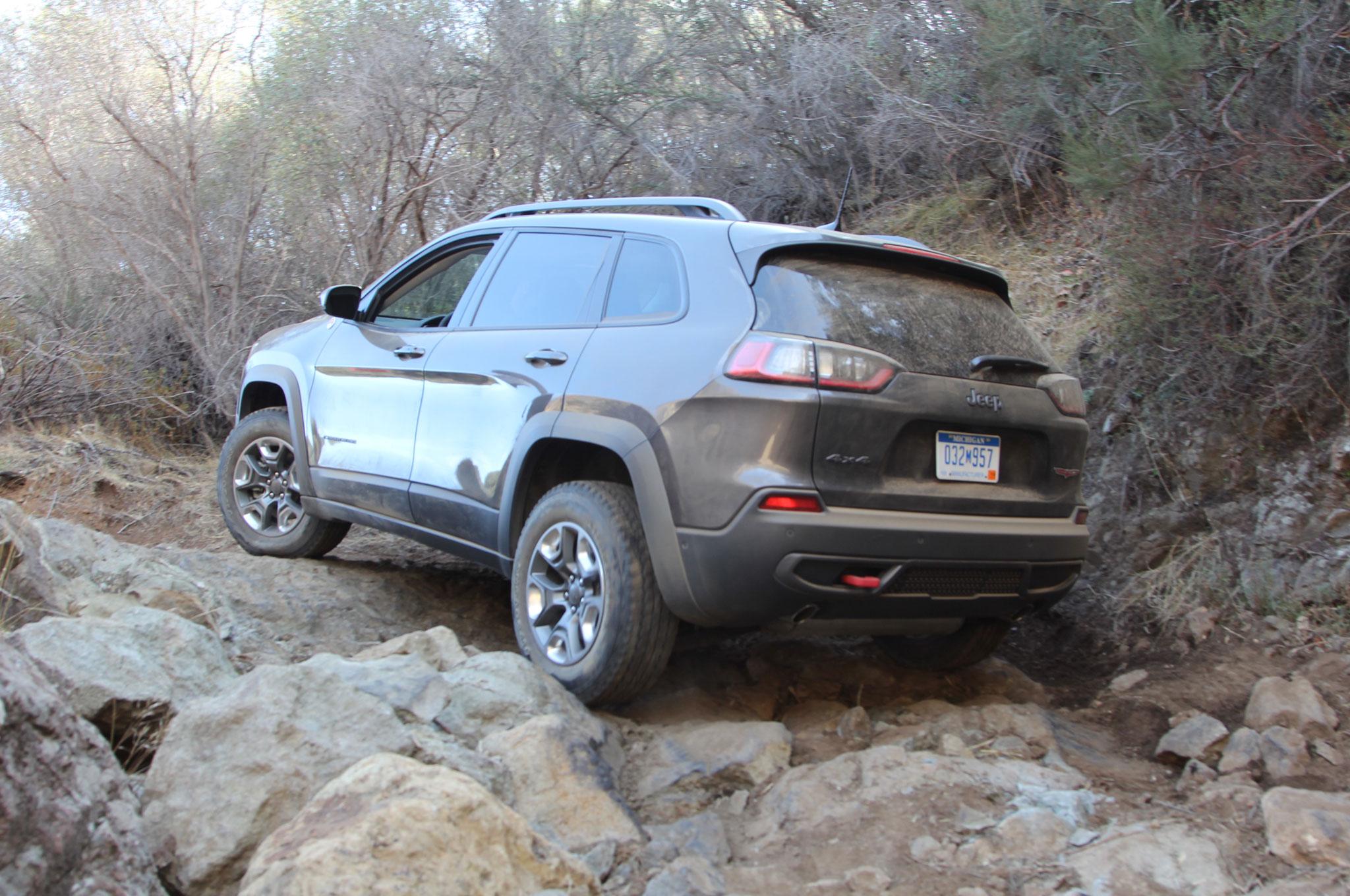 2019 Jeep Cherokee Trailhawk Gray Mike Grasso 17