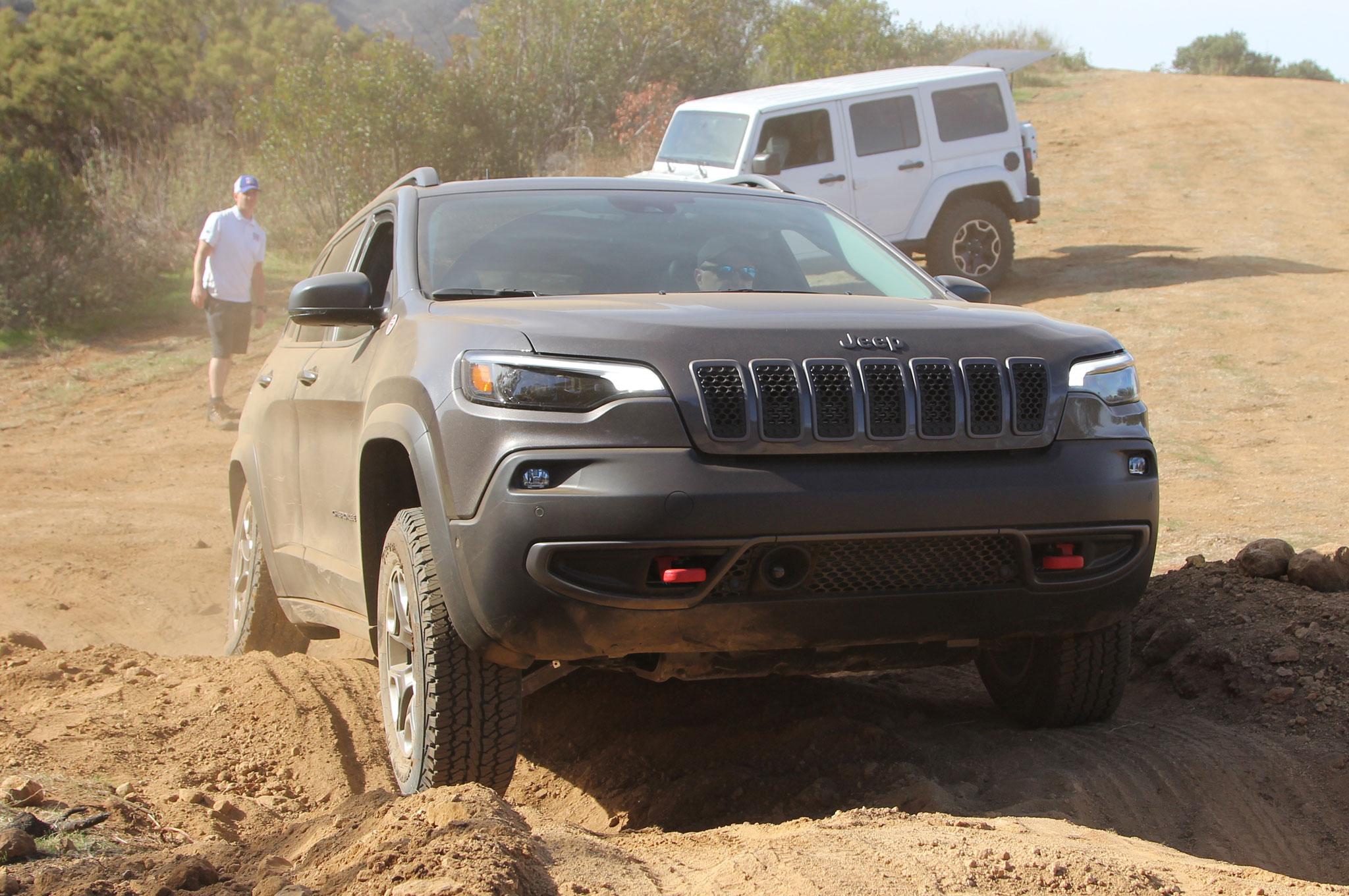 2019 Jeep Cherokee Trailhawk Gray Mike Grasso 27