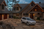 2019 Cherokee front end house