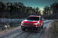2019 Cherokee trailhawk front end dusk