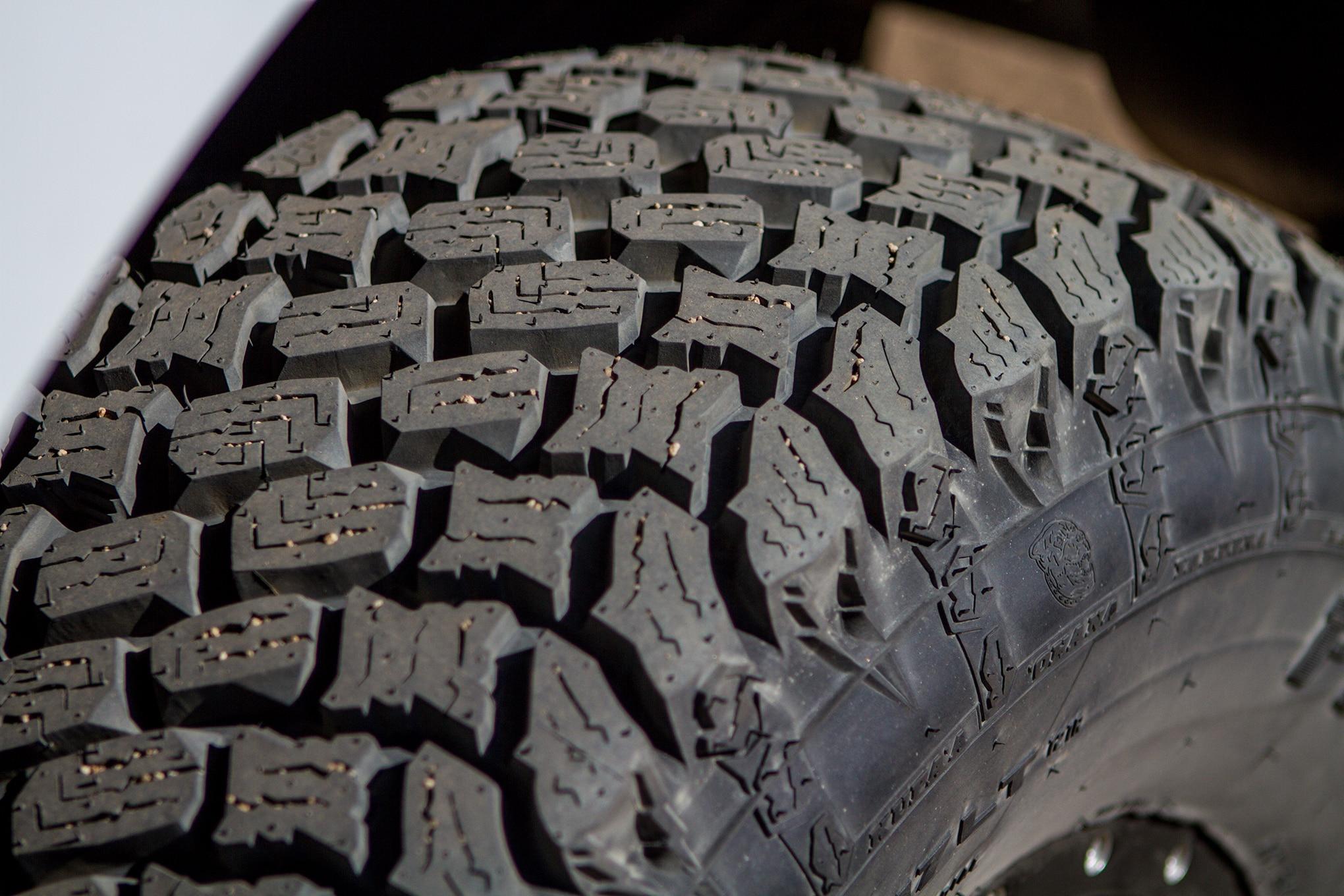 002 pit bull pbx tire tread