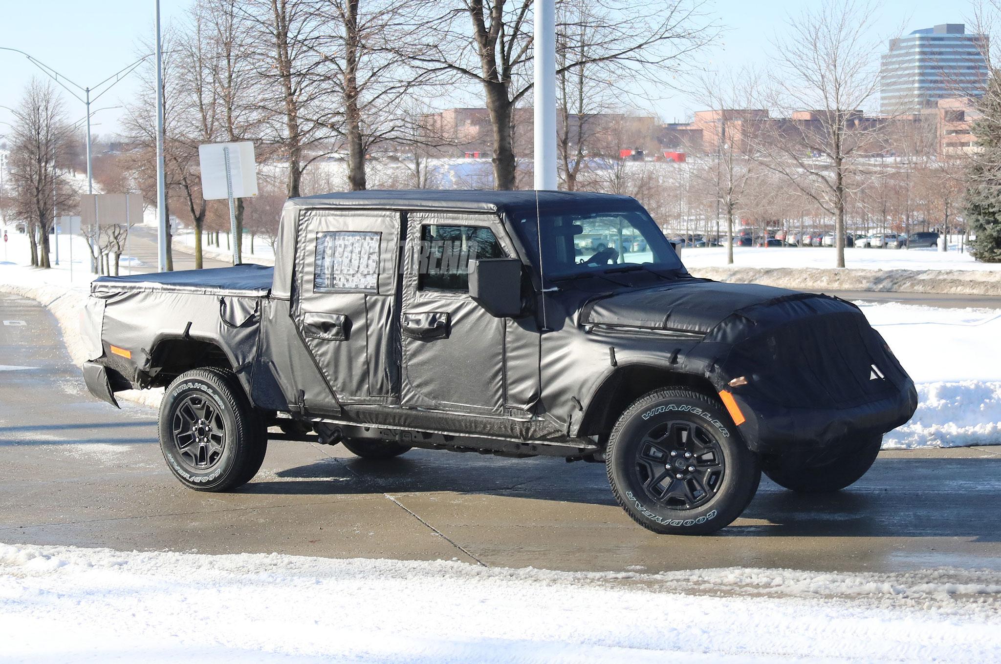 2019 jeep wrangler scrambler front quarter 03