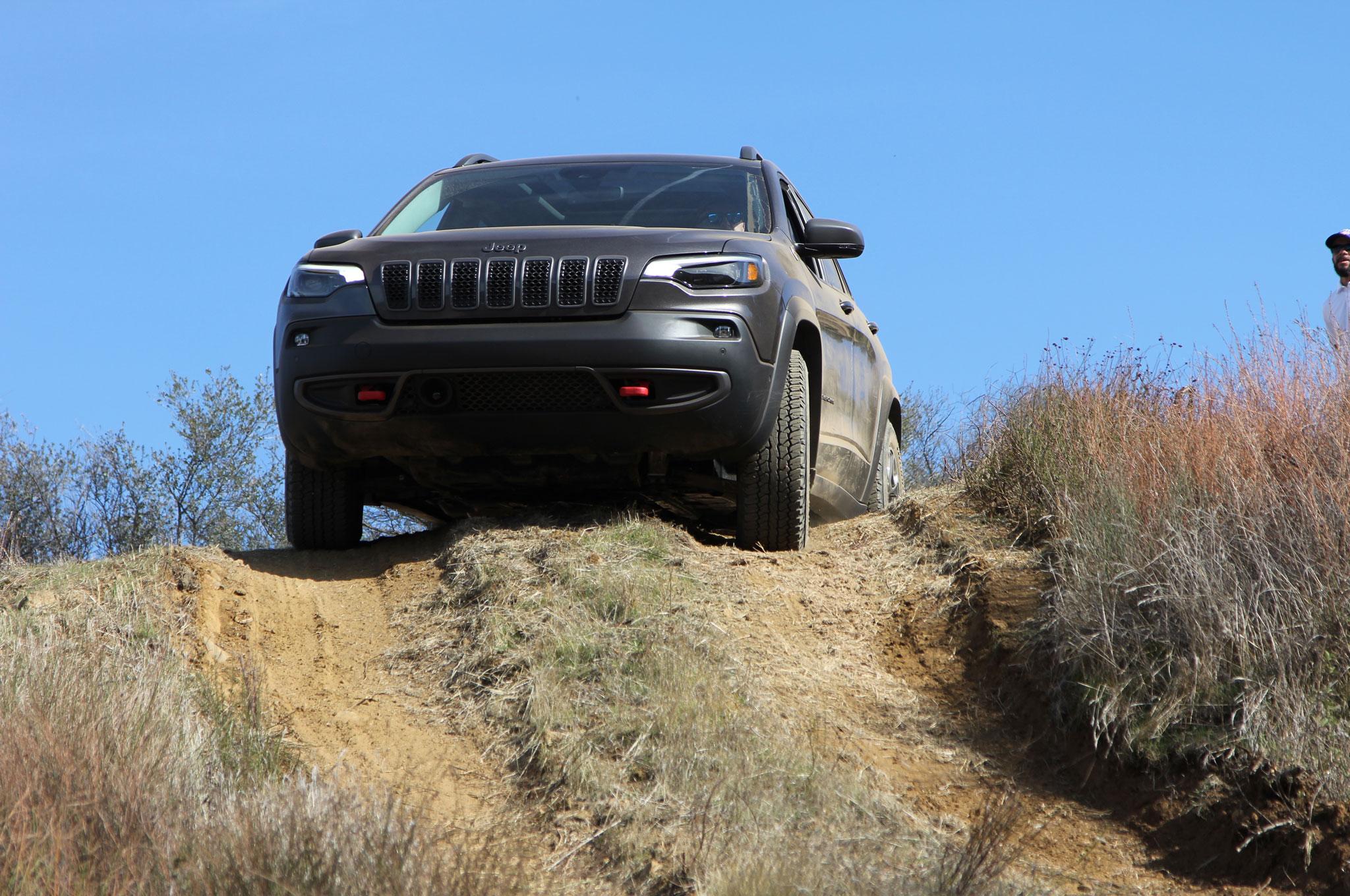 2019 Jeep Cherokee Trailhawk Gray Mike Grasso 37