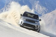 2018 suv of the year land rover discovery lead