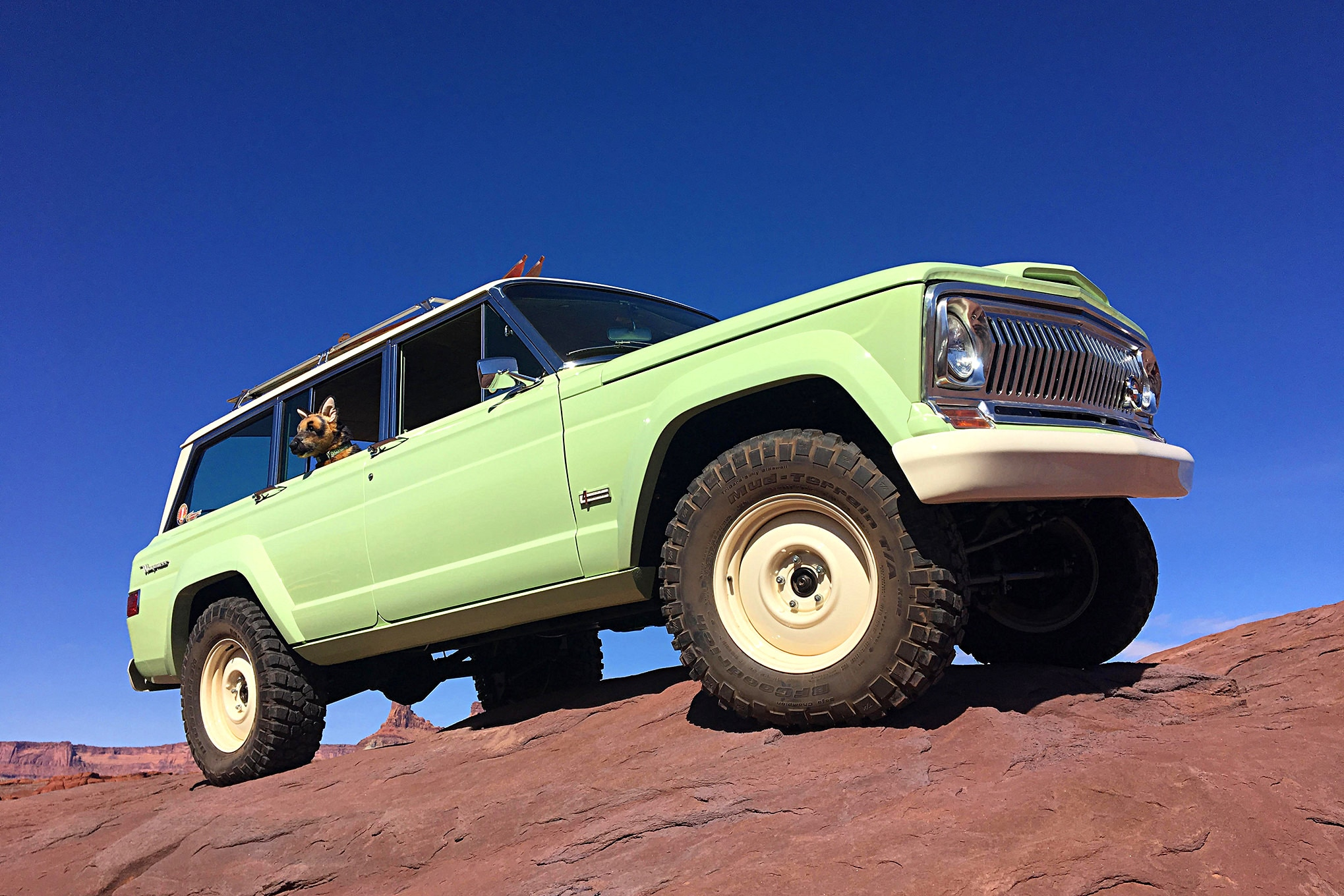 Jeep Concept Moab Wagoneer Roadtrip.JPG Photo 165480334