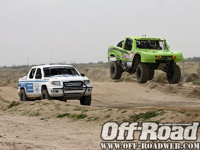 0901or 7076 z+2009 score laughlin desert challenge+trucks