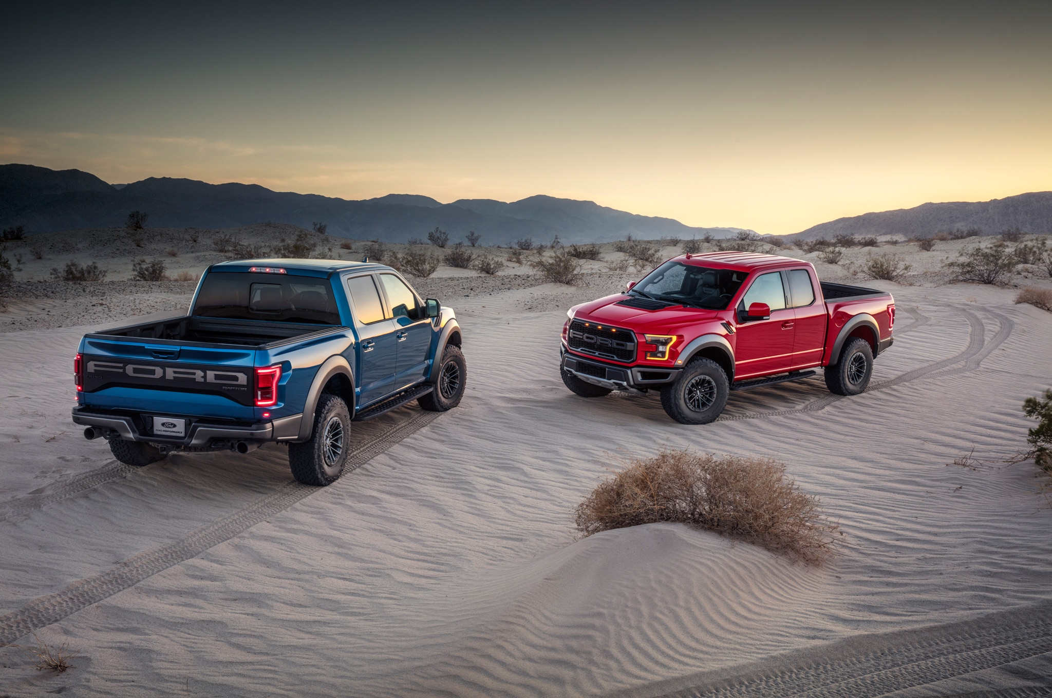 2019 ford f 150 raptor hero