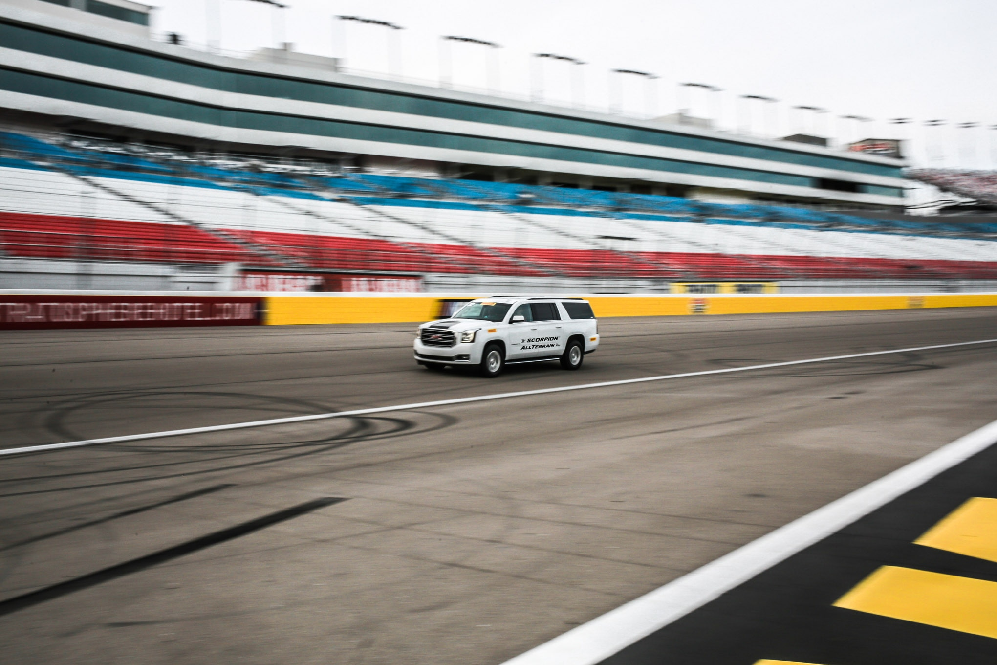 Even at triple-digit speeds on the race oval, the largest sources of noise were the engine whine and air whistling around the SUV.