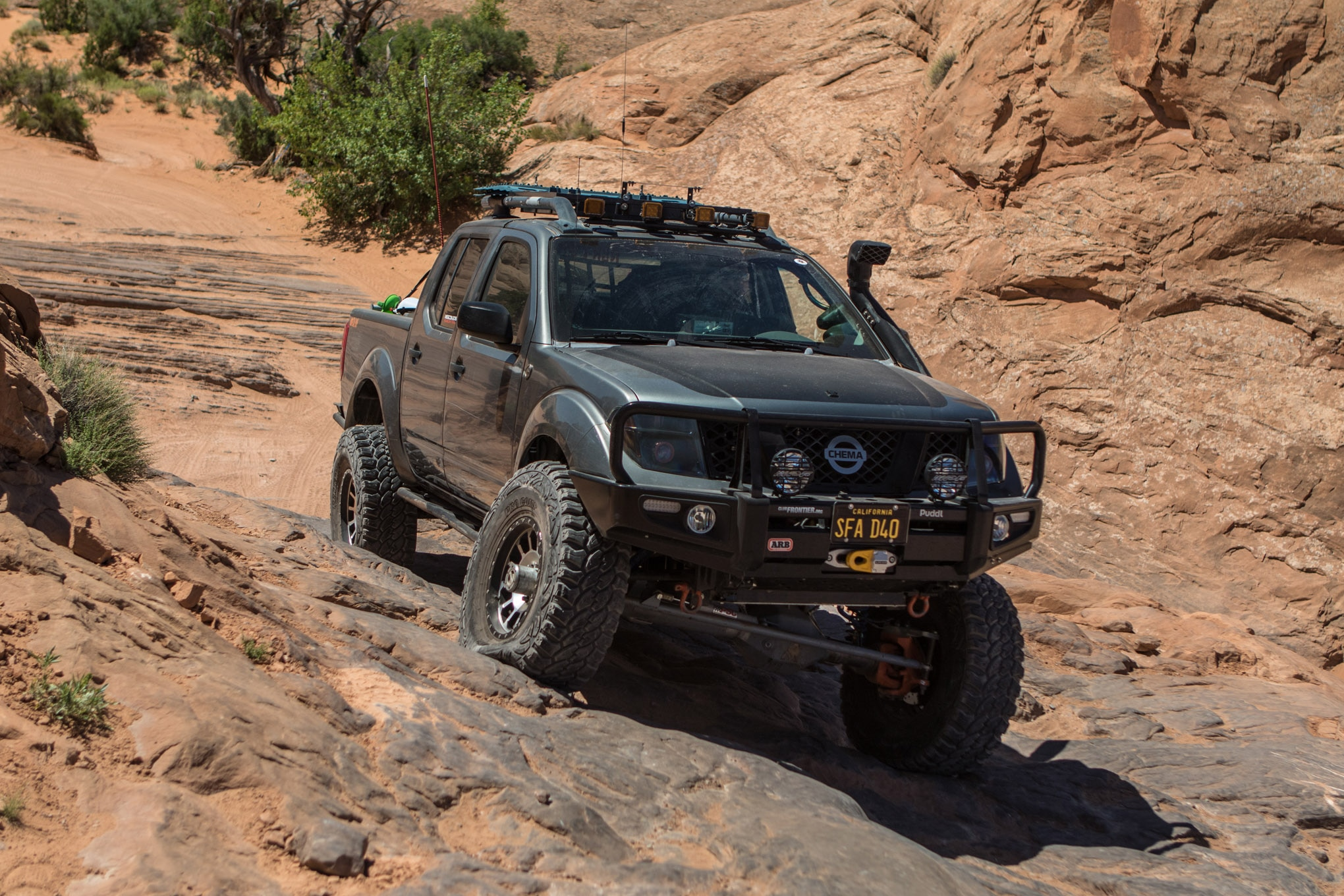 This 2005 Nissan Frontier Doesn't Just Hang With the Toyotas