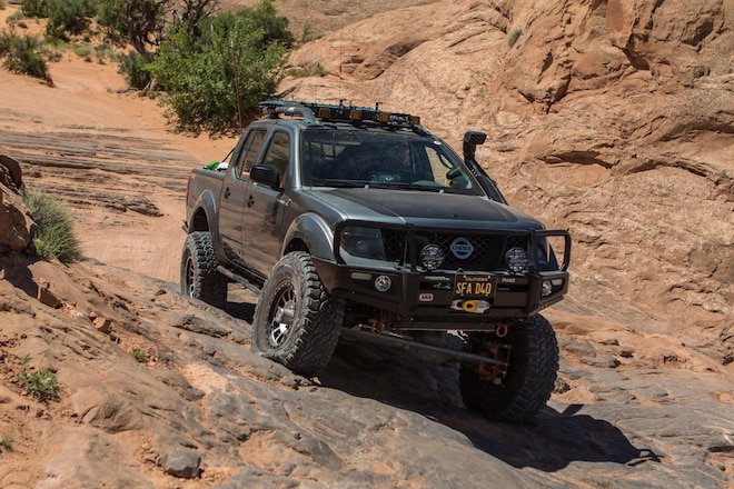 This 2005 Nissan Frontier Doesn't Just Hang With the Toyotas, It Smokes Them